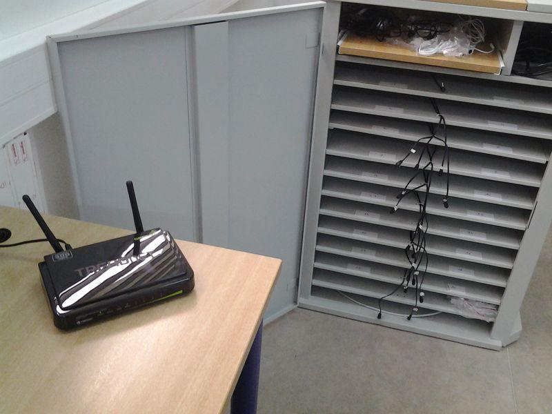 une simple borne wifi branchée sur secteur